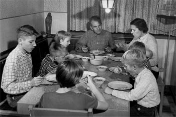 Het imago van christelijk gezinsgeluk. Foto: Nationaal archief